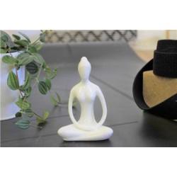 Statuette en Porcelaine Posture du Lotus Dhyana Mudra Blanc brillant 10 cm